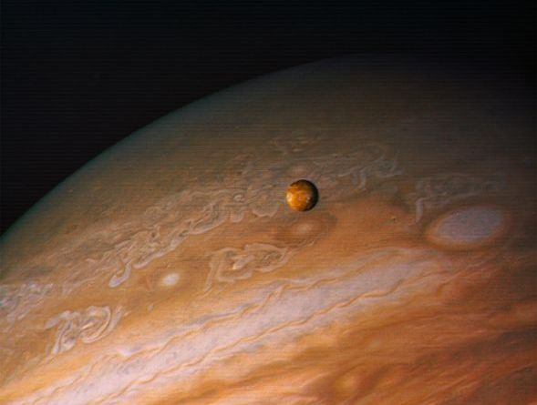 Júpiter y un satélite