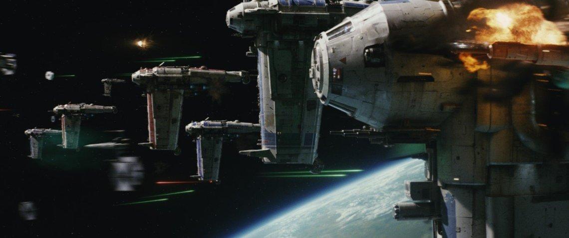 Star Wars The Last Jedi Bombing Run