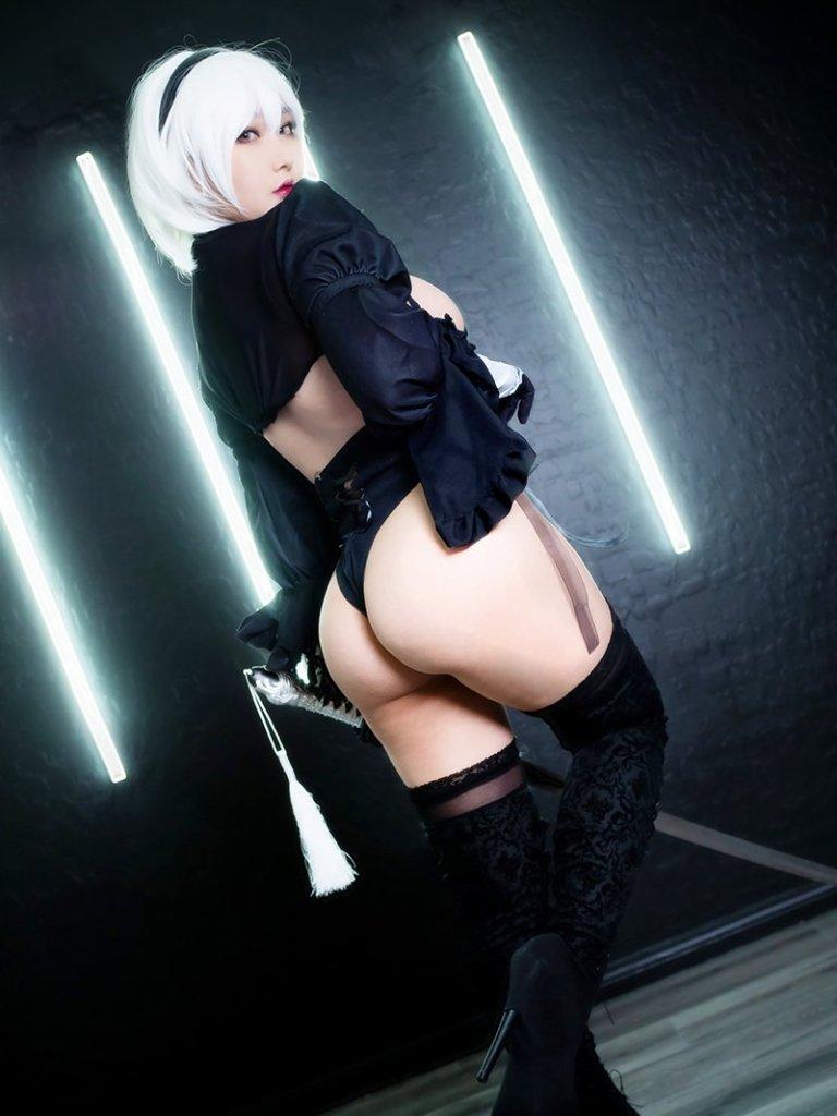 2B from Nier Automata Cosplay por RinnieRiot 2