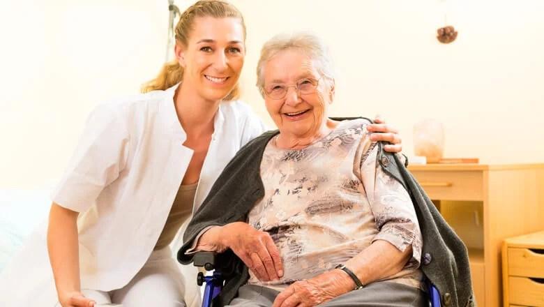 Contratar cuidador de idoso