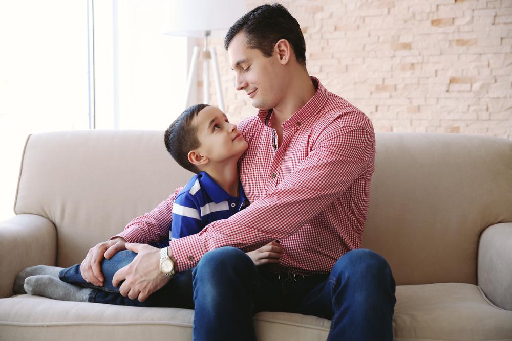 Lo complicado que resulta explicar a tu hijo que eres enfermero