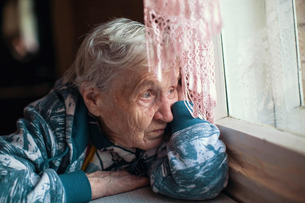 Solo en casa: abordaje del aislamiento social y la soledad en las personas mayores
