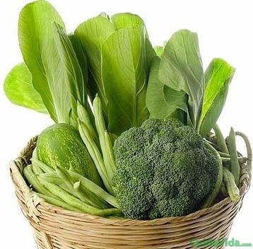 Verdura de hoja verde, fuente natural de calcio y otra vitaminas