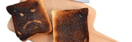 tostada-quemada-pan-negro-cancer