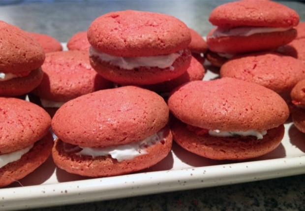 macarons tomate chèvre basilic 3 - On a testé : Le kit pour macarons Lékué