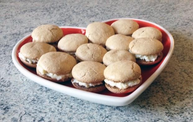 macarons boursault 2 - On a testé : Le kit pour macarons Lékué