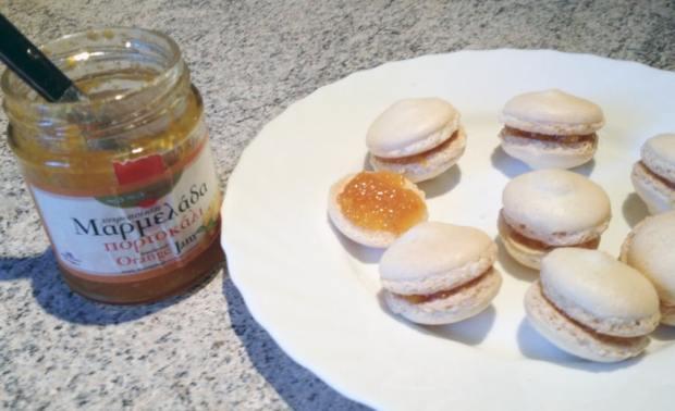 macarons orange 1 - On a testé : Le kit pour macarons Lékué
