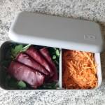 bento viande grisons roquette carottes 2 - Bento carottes râpées, roquette, viande des grisons