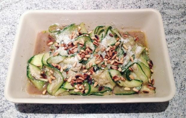 salade courgettes parmesan pignons 2 - Dossier : La courgette dans tous ses états