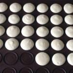 macarons craqueles amandes prepa 2 - Macarons craquelés aux amandes