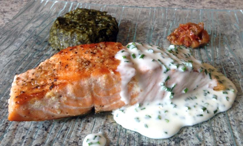 ♨ Recette de Pavé de saumon grillé à la crème de ciboulette