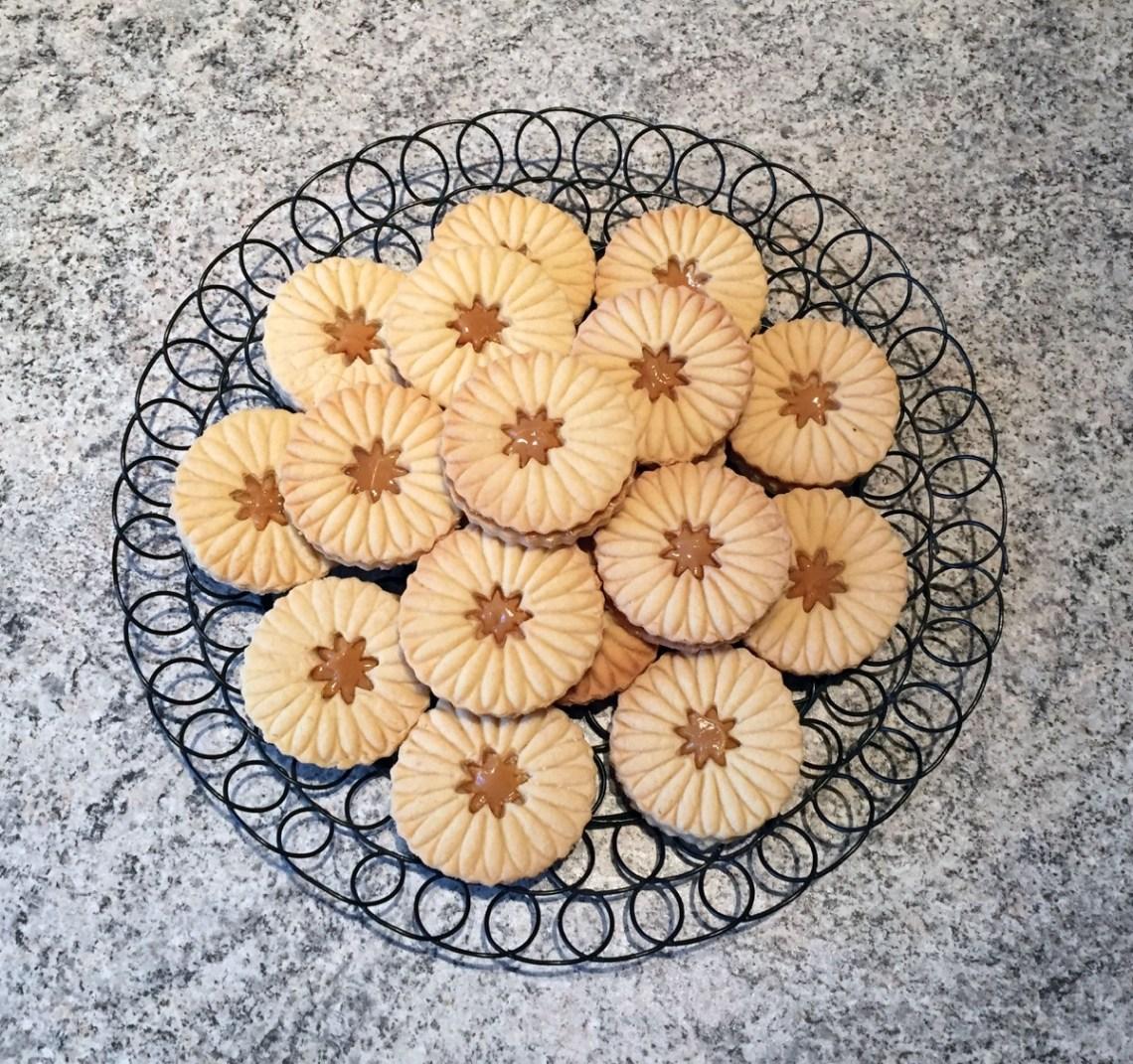 sables confiture lait 2 - Petits sablés fourrés ou pas (recette Companion)