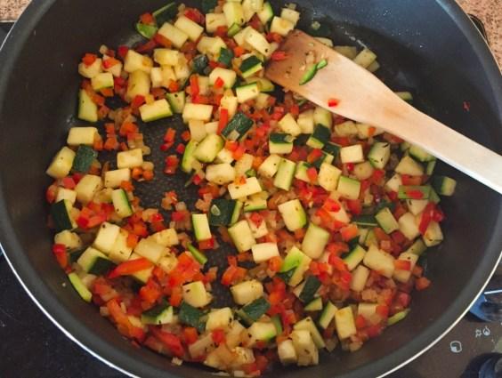 omelette-courgette-poivron-prepa-3