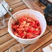 salade tomates oignons feta 1 - Gaufres aux pommes de terre (Recette Companion)