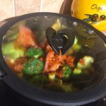 IMG 1301 - Poêlée de brocolis, poulet, tomates, oignon rouge
