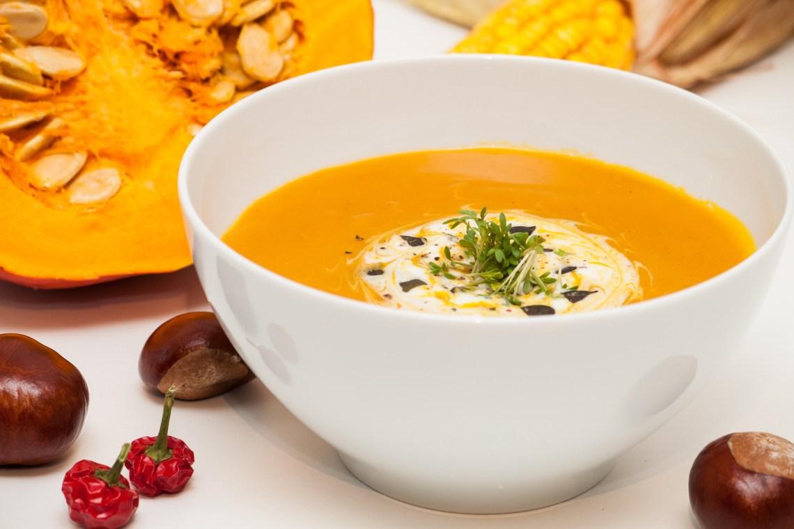 Fotolia 45220036 M - Soupe de potiron, marrons, oignons (Recette Companion)