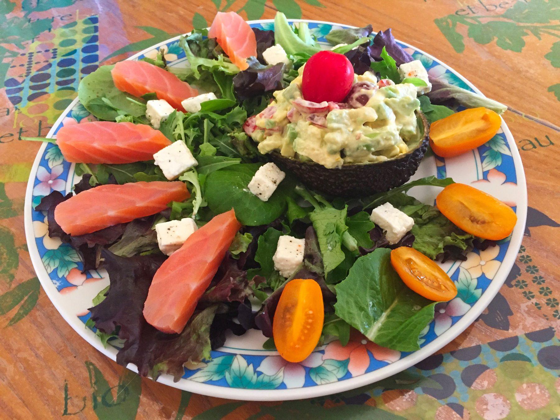 IMG 3771 - Avocat mimosa, salade et saumon fumé