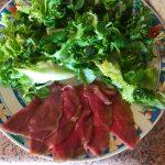 IMG 4083 - Yakitori boeuf fromage, salade tomate oeuf et carpaccio