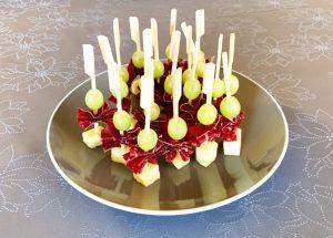 IMG 6605 - Brochettes raisin, comté, viande des grisons