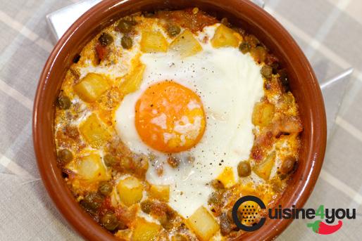 Huevos al plato con patatas