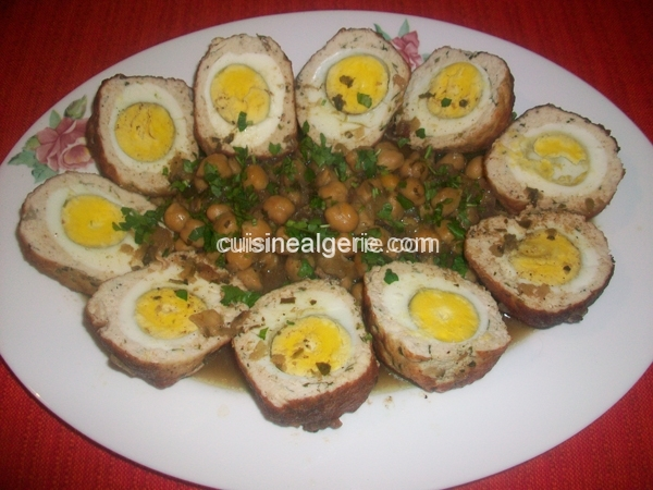 Dolma aux œufs ou l'œil Espagnol au poulet