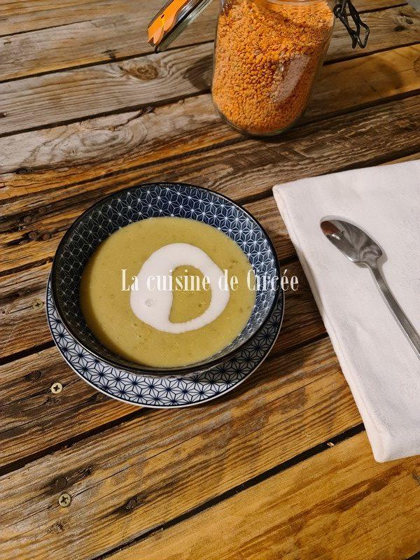 Soupe de lentilles corail à la noix de coco