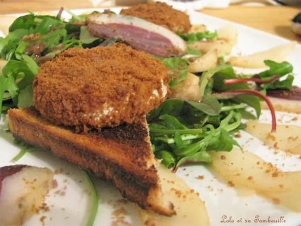 Salade aux poires, magret fumé & chèvre pané aux spéculoos