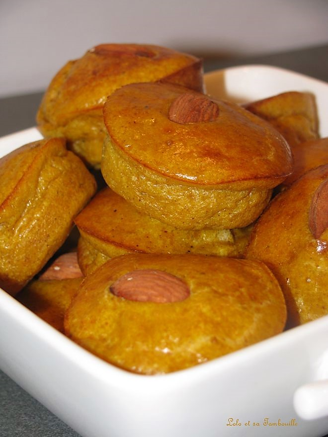 Petites bouchées à la pâte de curry indienne & amandes