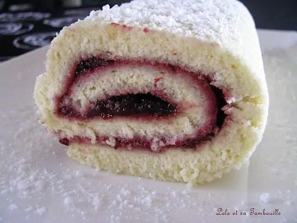 Gâteau roulé à la confiture de cerises griottes