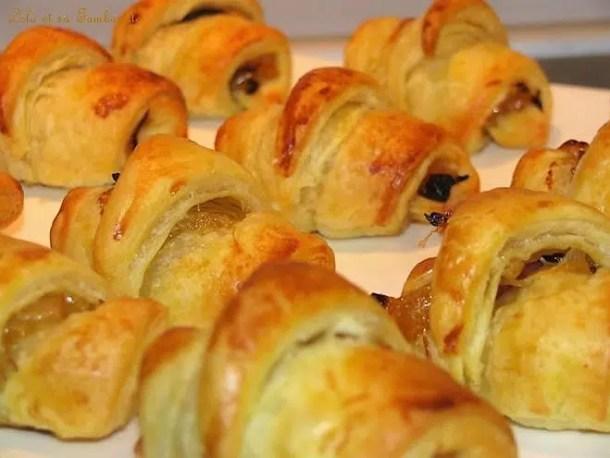 Croissants feuilletés au confit d'oignon & magret de canard