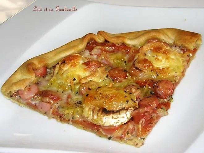 Tarte à la tomate, knackis & chèvre