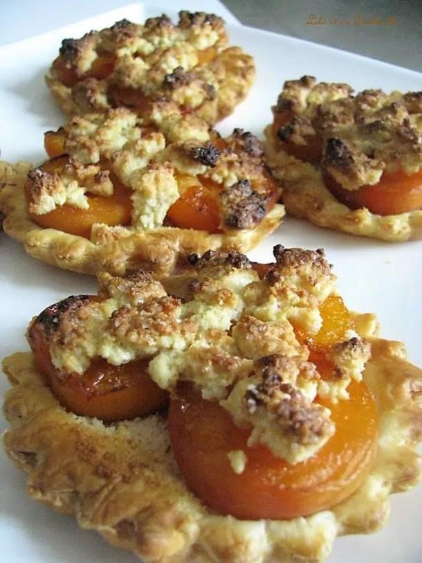 Tartelettes aux abricots au miel en crumble