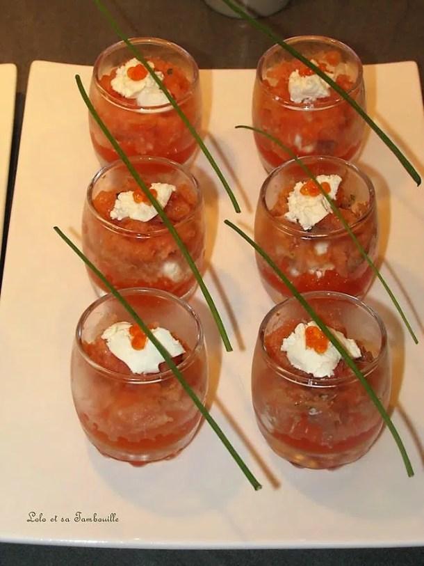 Verrines de saumon fumé & oeufs de truite au fromage frais