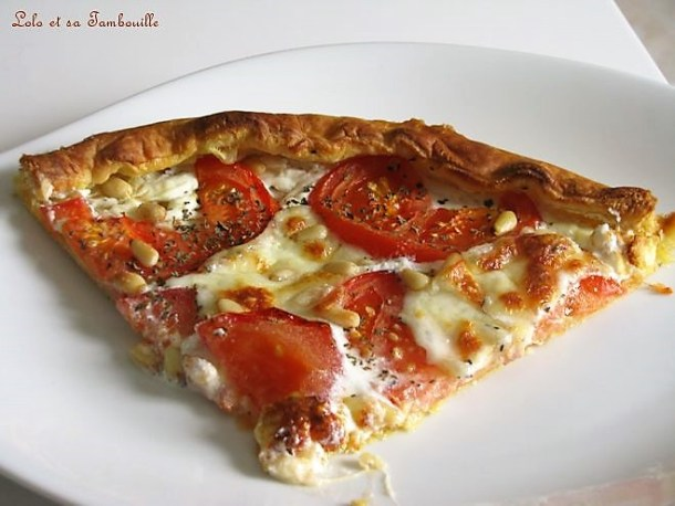 Tarte à la tomate, chavroux & mozzarella