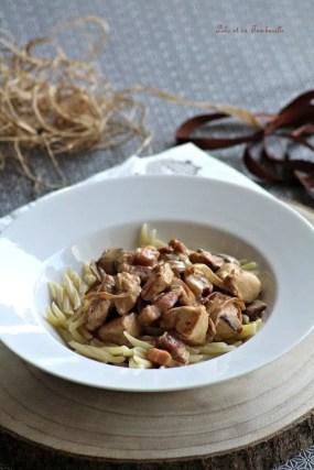 Sauté de poulet aux champignons & lardons (4)