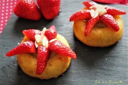 Amandiers rhubarbe & fraises (1)