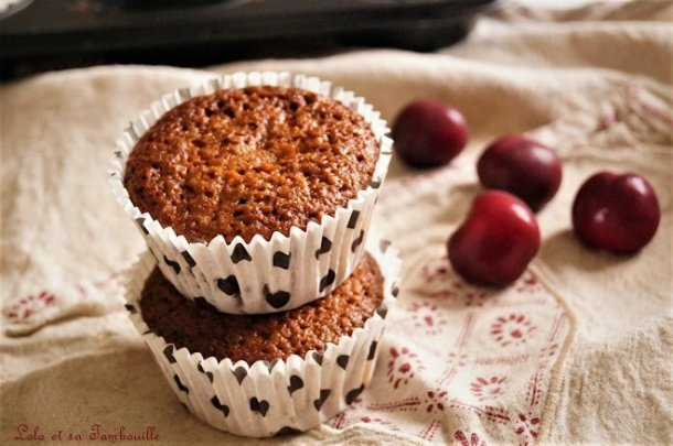Muffins aux cerises & noisettes