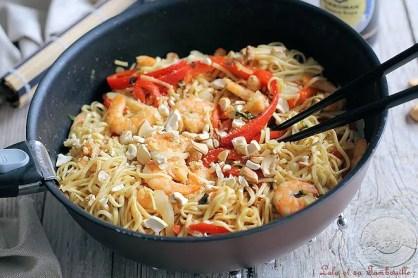 Nouilles sautées au crevettes & basilic (2)
