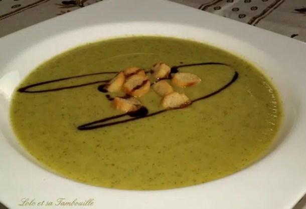 Soupe froide de courgettes & chèvre frais
