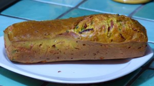 Cake au jambon et aux herbes (1)