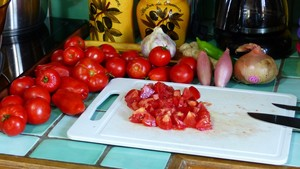 sauce-tomate-epicee-aux-herbes-1