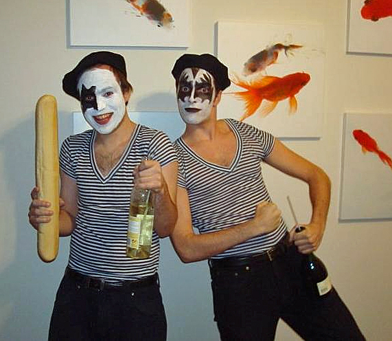 French Kiss Couples Costume