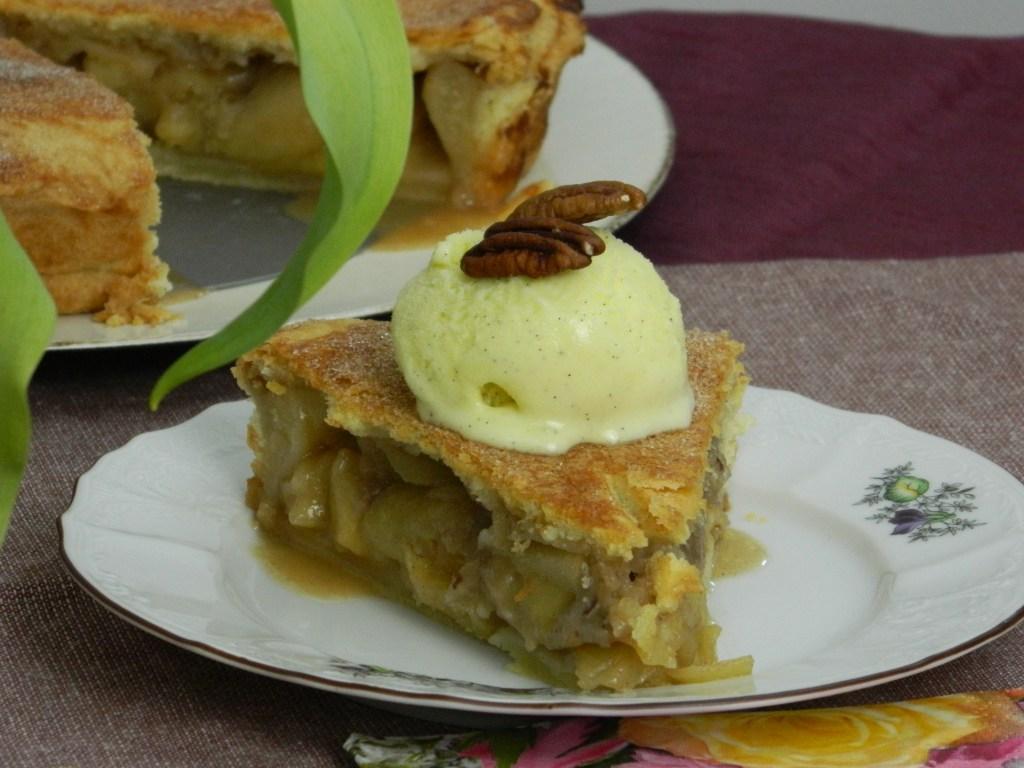 Juicy Apple Pie with Pecan Streusel