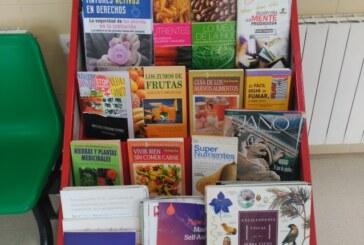 Renovada la colección de libros del Centro de Salud