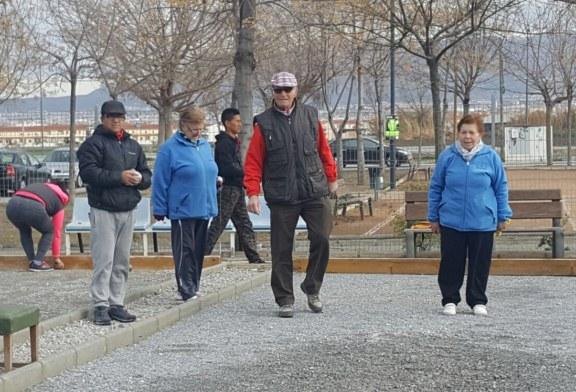 Los jubilados de Cúllar Vega celebrarán San Valentín con un torneo de petanca y un 'guateque romántico'