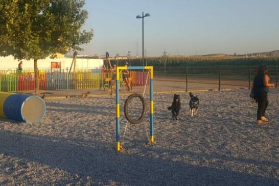 Cúllar Vega estrena su primer parque para perros