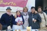Las mujeres de Cúllar Vega cocinan y venden dulces para ayudar en Nochebuena a las familias más necesitadas