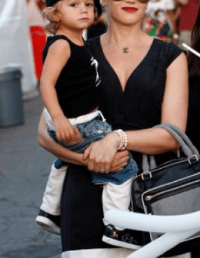 Gwen had Kingston looking chic in a beret at an early age