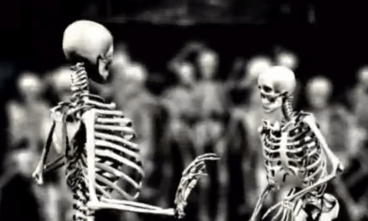 Skeletons dance to forget