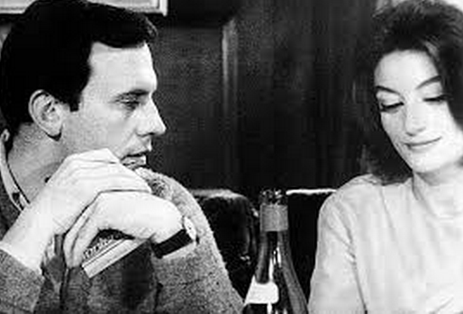 Jean-Louis (Jean-Louis Trintignant) and Anne Gauthier (Anouk Aimée)  are two windowers who take a shine to one another